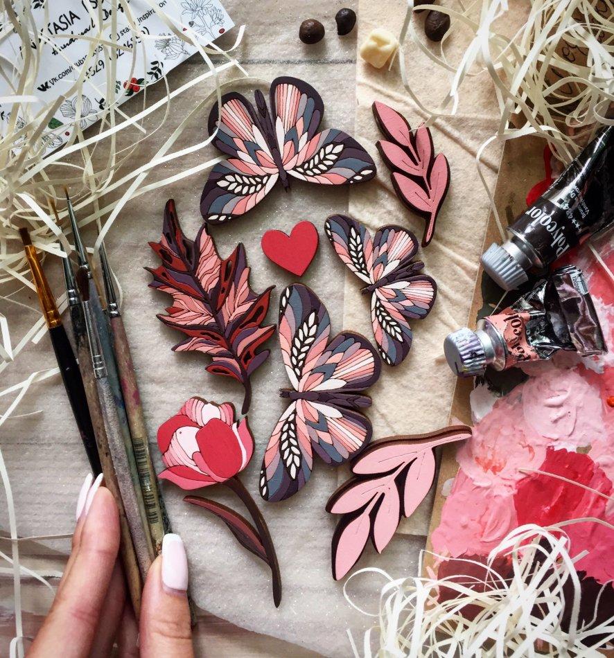 бабочки,кисточки,руки,краски
