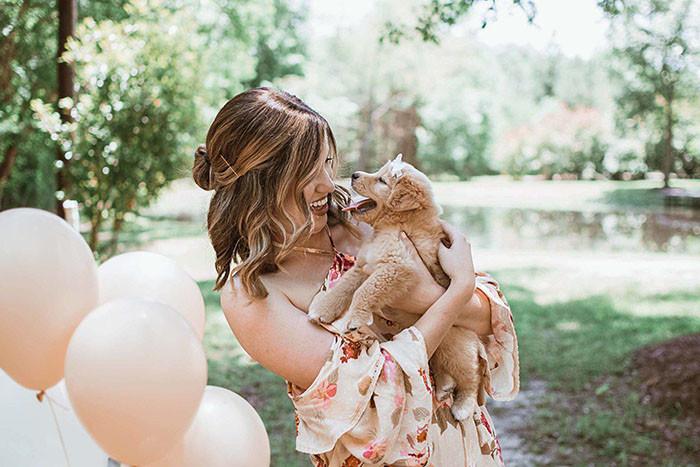 собака,пес,щенок,сюрприз,подарок,девушка,шарики
