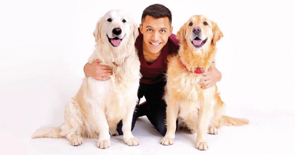 Алексис Санчес и его собаки