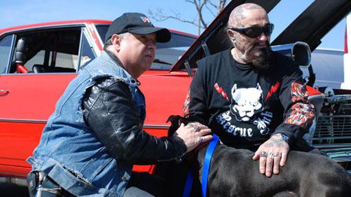 Байкеры Rescue Ink и спасенная ими собака фото