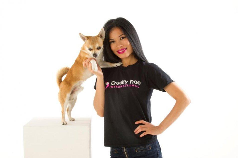 Ванесса Мэй в защиту животных фото
