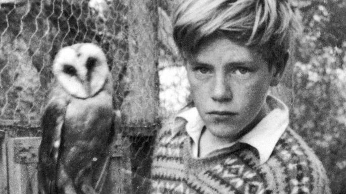 Джеральд Даррелл в детстве с совой фото